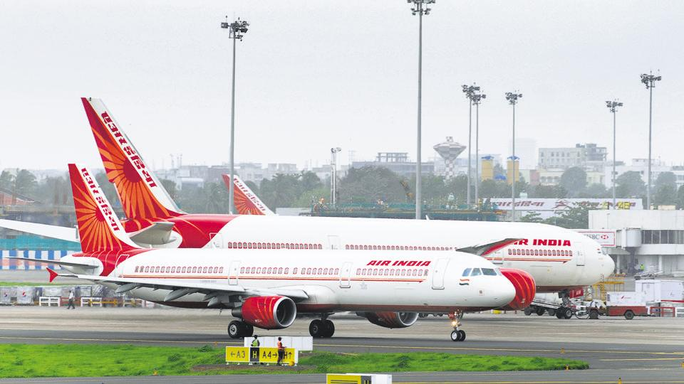 Republic Day 2020: Air India distributes 30000 national flags among its passengers - india news - Hindustan Times