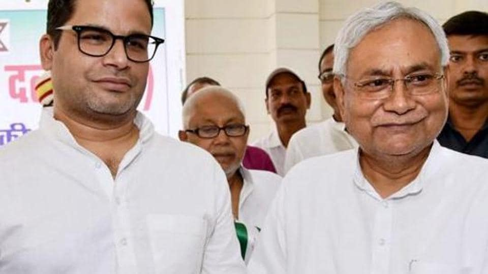 Bihar Chief Minister and Janta Dal United JD(U)   President Nitish Kumar  and  Prashant Kishor in happier times.