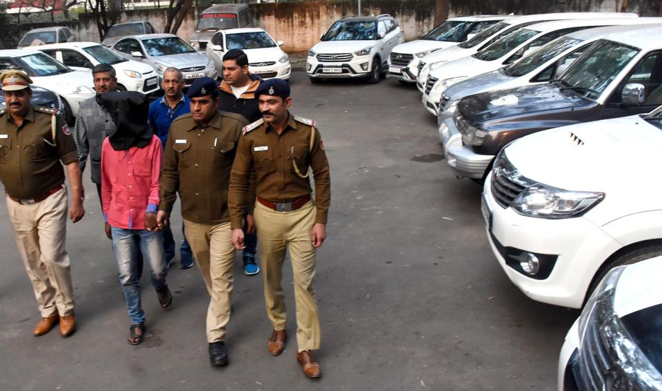 Police said the two were previously arrested by Maharashtra and Punjab Police for similar offences.
