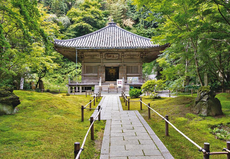Matsushima is home to the serene and beautiful Entsuin temple
