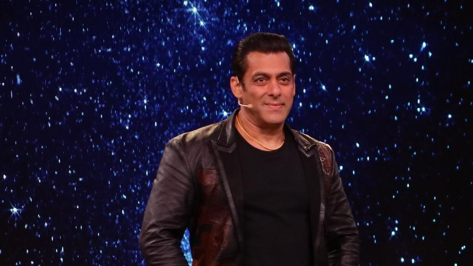 Bigg Boss 13 day 135 written update episode 135 February 10: Salman Khan on the stage.