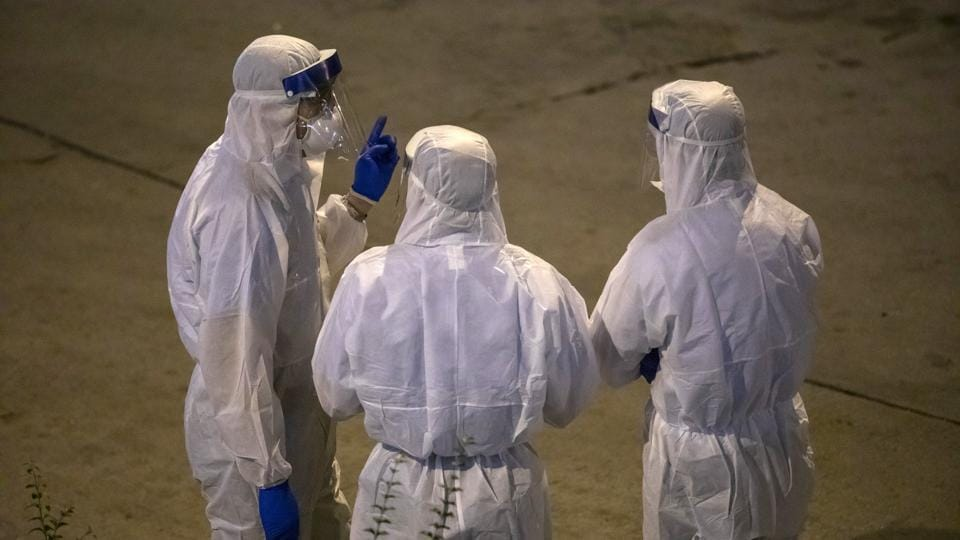 An advance team of World Health Organization medical experts arrived in China on Monday to help investigate the coronavirus outbreak