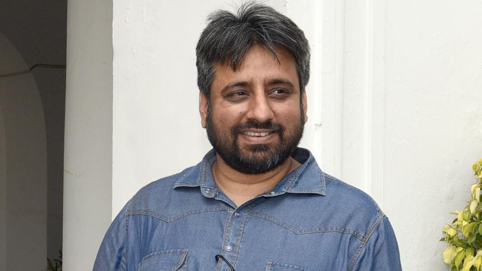 Aam Aadmi Party (AAP) Okhla candidate Amanatullah Khan and Jangpura candidate Praveen Kumar late night on Monday visited outside the designated strongroom