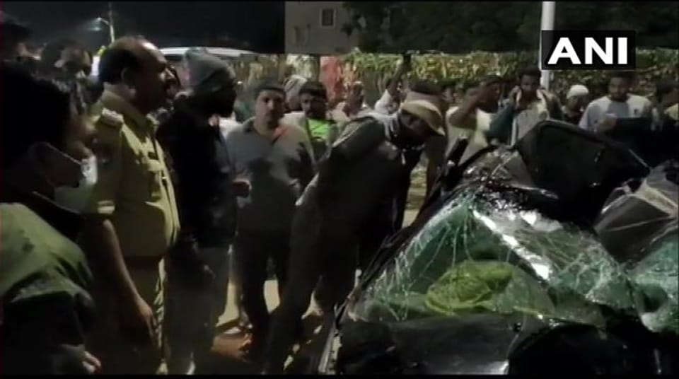 27-yr-old hotelier killed after speeding car falls off flyover in Hyderabad