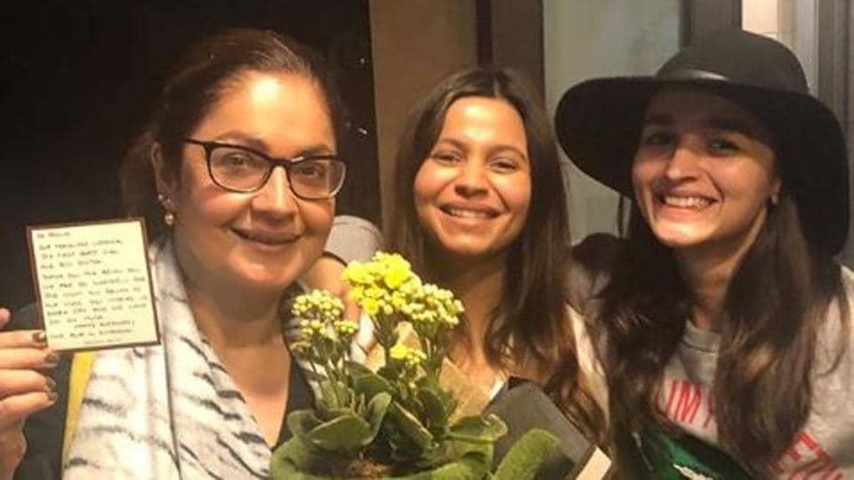 Inside Pooja Bhatt's birthday celebration with sisters ...