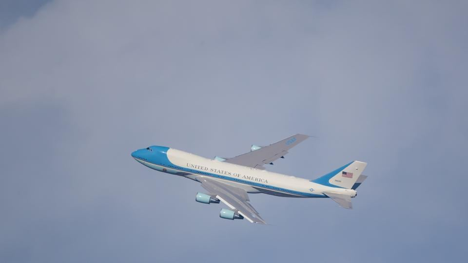 Air Force One Us President Donald Trump S Flying Oval Office