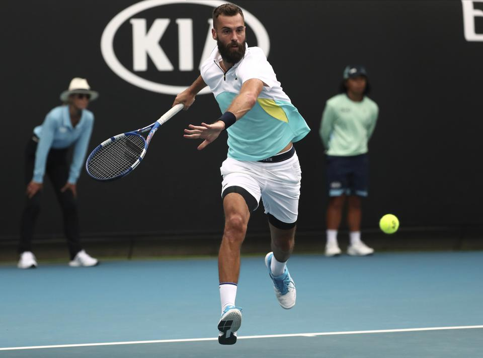 Paire hangs on to beat Cilic, Fognini shocked by Evans in Dubai