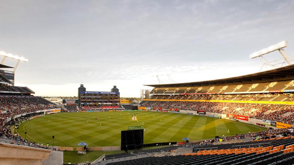 CHRISTCHURCH, NEW ZEALAND - DECEMBER 30: A general view of AMI Stadium during game three of the Twenty20 series between New Zealand and Pakistan at AMI Stadium on December 30, 2010 in Christchurch, New Zealand. (Photo by Martin Hunter/Getty Images)