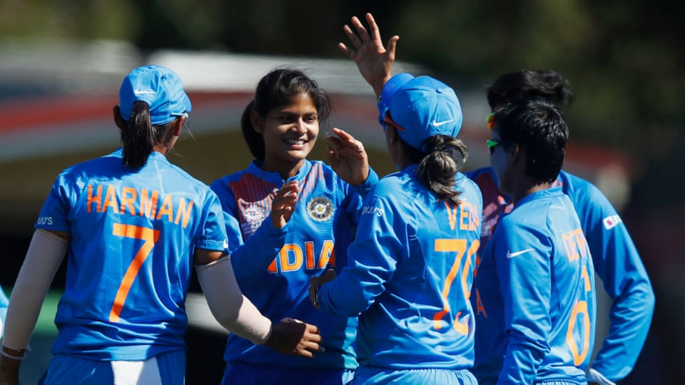 Women's T20 WC: Unbeaten India end group stage with win over SL – cricket #Sportskeedi