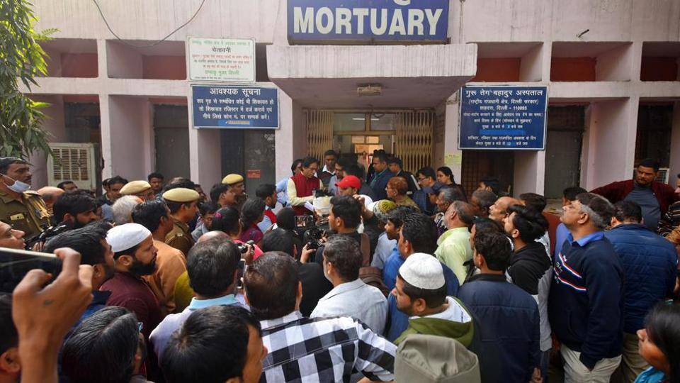 Victims outside the GTB Hospital mortuary, New Delhi