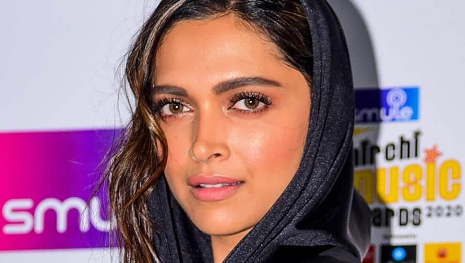 Deepika Padukone sends love to Paris Fashion Week after bowing out due to coronavirus: 'Cheering for... thumbnail