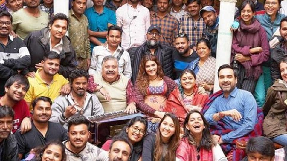 Kriti Sanon wraps up Mimi shoot with special note: 'The most satisfying schedule ever' thumbnail