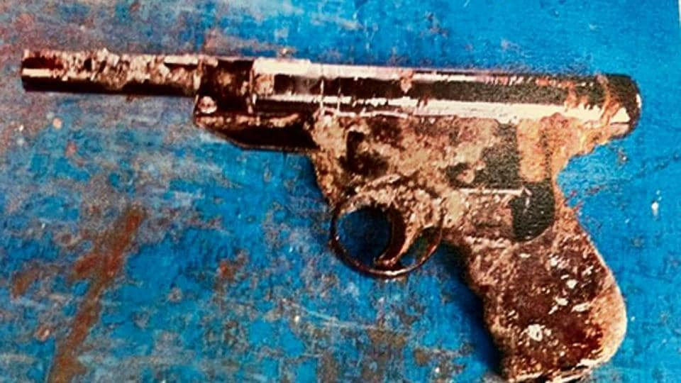 CBI) has recovered a pistol that may have been used in the killing from the Arabian Sea with the help of Norwegian deep-sea explorers and technology.