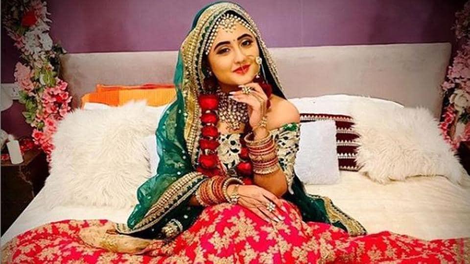 Rashami Desai plays Shalakha in Naagin 4.