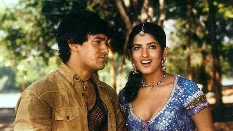 Twinkle Khanna and Aamir Khan in a still from Mela.