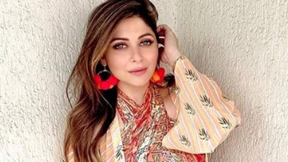 Singer Kanika Kapoor confirms she has tested positive for Covid-19.