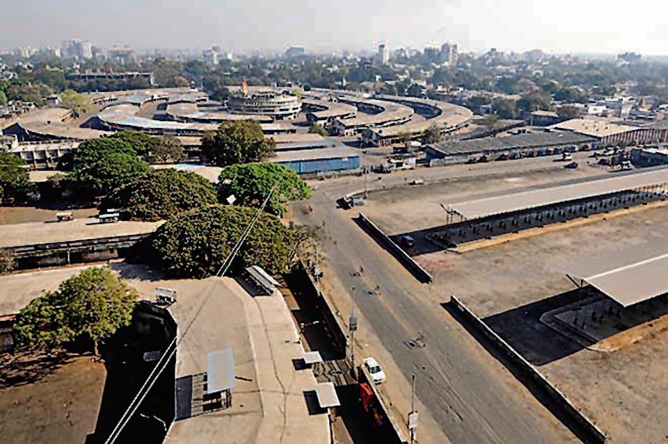 Deserted Market Yard in Pune on Janata Curfew.