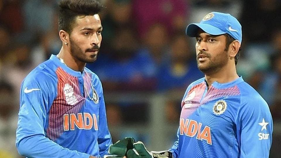 India's MS Dhoni in conversation with Hardik Pandya.