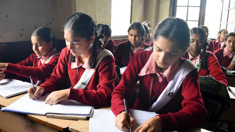 The association has alleged that private schools are pressuring parents to deposit school fee by March 30, despite the state and Centre ordered curfew and lockdown.