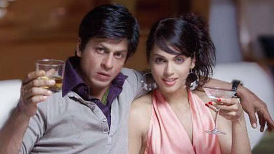 Shah Rukh Khan and Isha Koppikar in a still from Don.