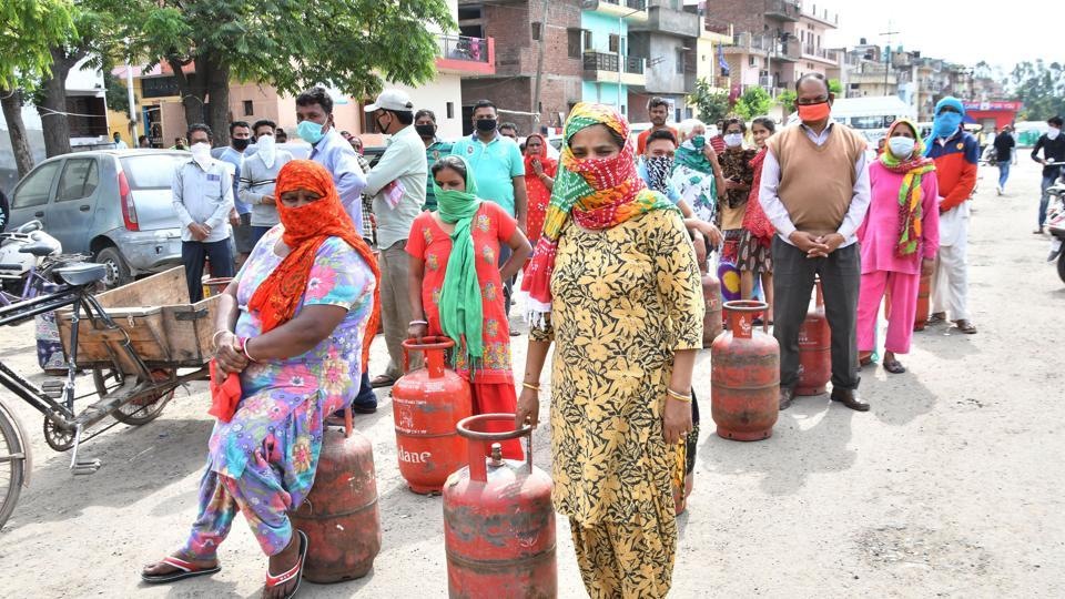 Covid-19 update: Gas cylinders will also be provided free of cost to 80 million poor families for the next three months.