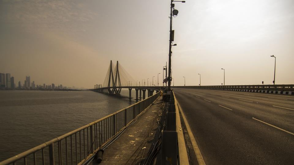 An empty view of the otherwise busy Bandra-Worli Sealink in Mumbai. (Pratik Chorge / HT Photo)