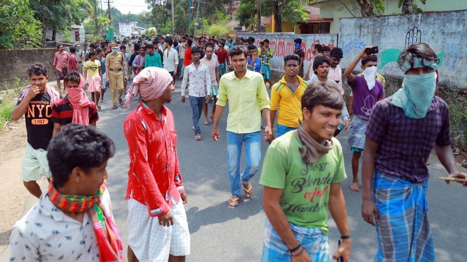 Hundreds of migrant labourers from West Bengal came out on the road in Kottayam district, seeking trains to go to their hometowns.
