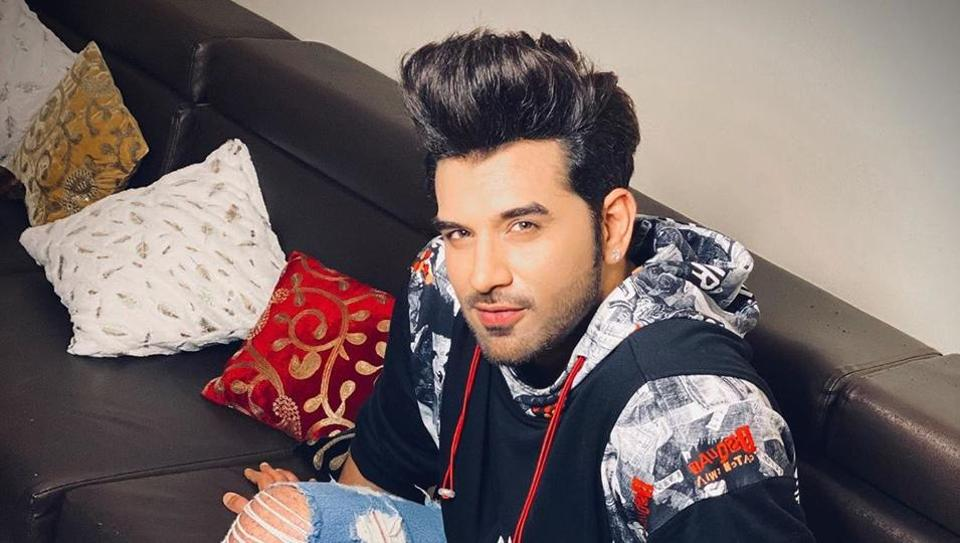 Paras Chhabra has partially paid the dues of the two designers who provided him clothes for his Bigg Boss 13 appearance.