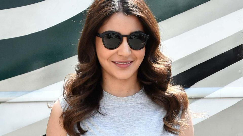 'Except health, nothing is urgent': Anushka Sharma extends support to fans during lockdown – bollywood