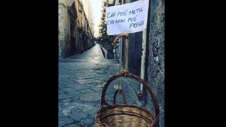 'Supportive baskets': People of Naples are winning the Internet with this heart touching gesture