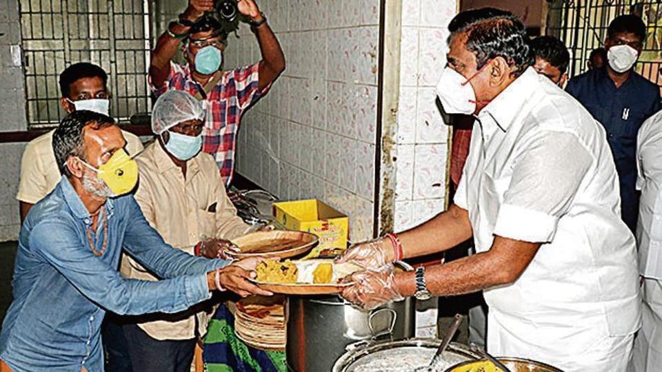 Tamil Nadu CM distributes food to the poor.
