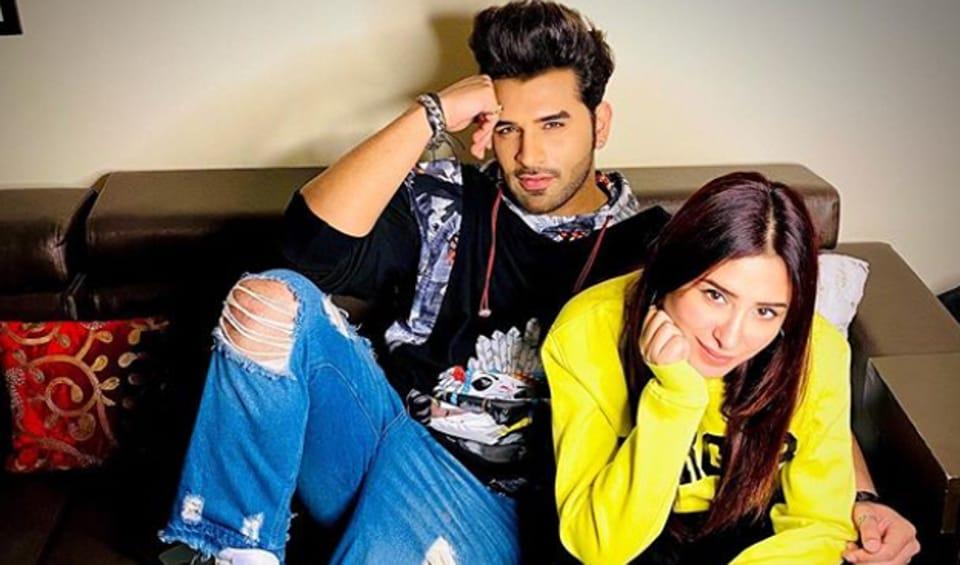 Paras Chhabra will romance Mahira Sharma in a Punjabi film.