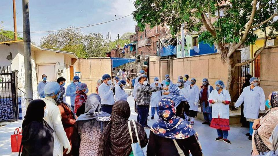 The volunteers, guided by Delhi government doctors, were armed with N-95 masks, surgical gloves, caps, and bottles of sanitizers.