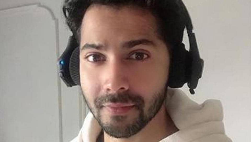 Varun Dhawan is doing his bit to help provide meals to the needy.