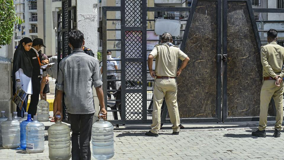 The police arrived at the corporator's house after a complaint that he was partying on the terrace of his house.