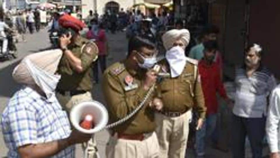 Police officials reached the spot after which a police team cordoned off the gurdwara at Balbera, where the Nihangs were hiding after attacking the personnel.