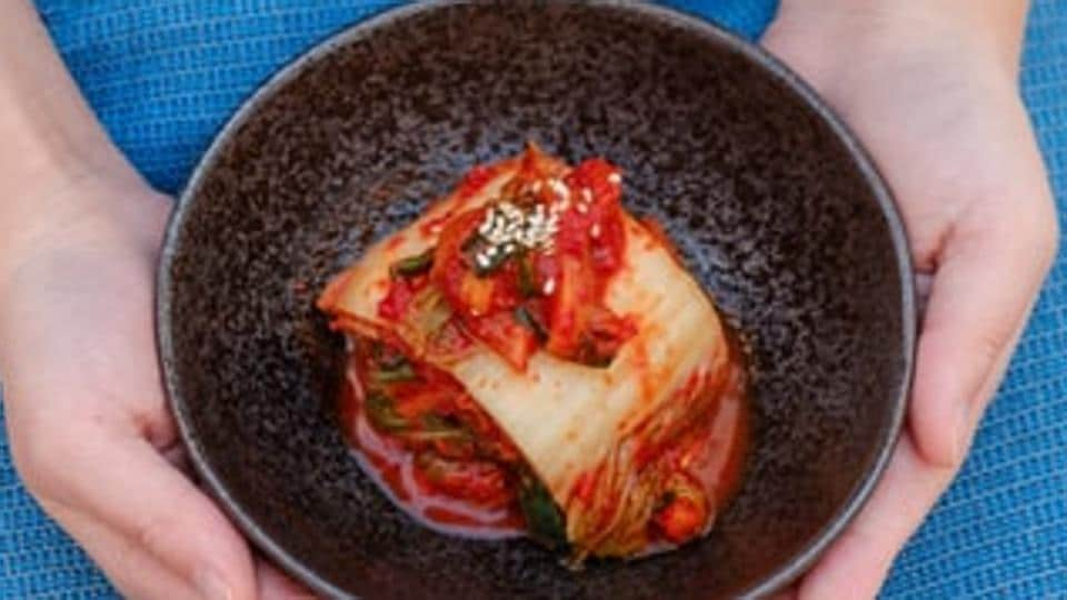 The World Institute of Kimchi (WiKim) announced that it had identified the origin source of lactic acid bacteria involved in the fermentation of kimchi and the characteristics of the fermentation process depending on the strains of lactic acid bacteria.