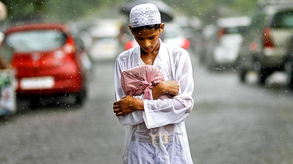 'Stay at home, pray at home during Ramzan': Shahi Imam of ...