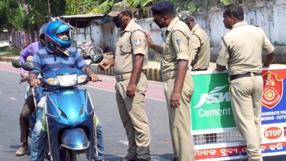Keonjhar SP Mitrabhanu Mahapatra said he has asked the additional SP to inquire into the matter. Till the probe into the matter is over, the sub-inspector will not be deployed on road patrolling duty. (Image used for representation).