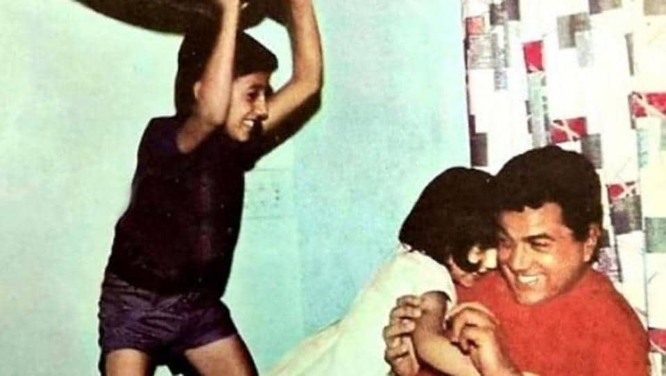 Sunny Deol has pillow fight with dad Dharmendra in throwback Thursday pic. See here – bollywood