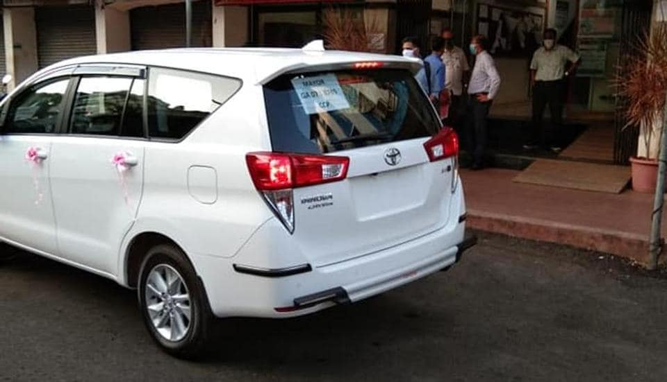 Panaji Mayor Uday Madkaika has come under flak for buying a new car despite the Chief Minister  saying no new cars would be allowed to be purchased.