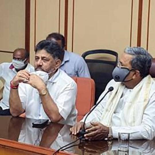 Former chief minister of Karnataka Siddaramaiah along with KPCC president DK Shivakumar during a meeting in Bengaluru.