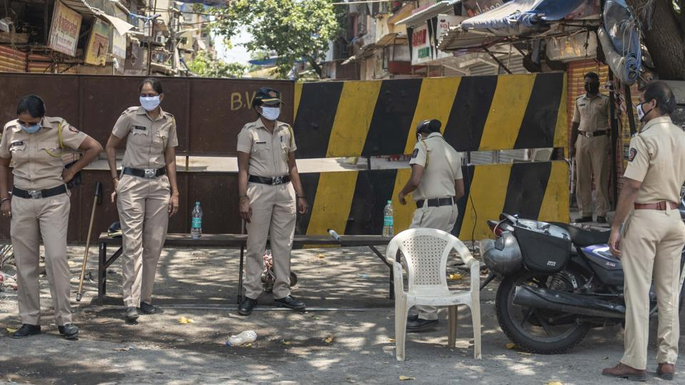 Police bandobast at a containment zone in Mumbai's Shivaji Nagar during nation wide lockdown due to coronavirus.