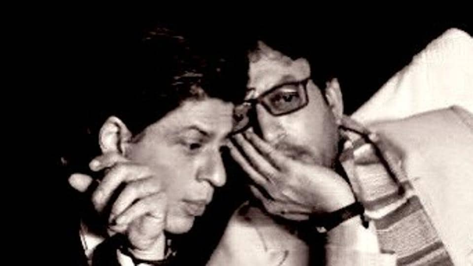 Shah Rukh Khan and Irrfan Khan interact in a picture shared by the actor.