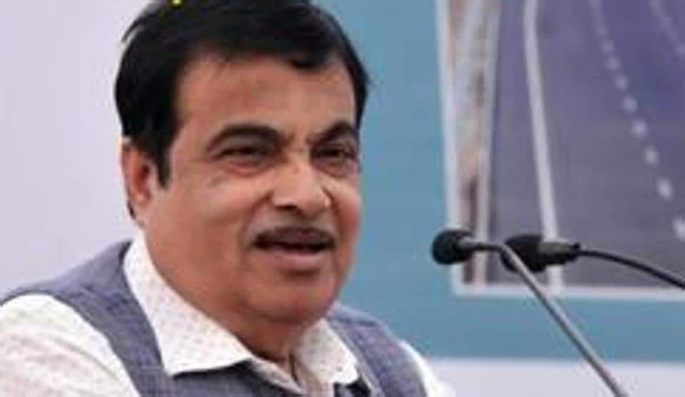 Nitin Gadkari told the ministers that they need to intervene in such matters and ensure resolution of issues through the local and district administrations.  (HT PHOTO)