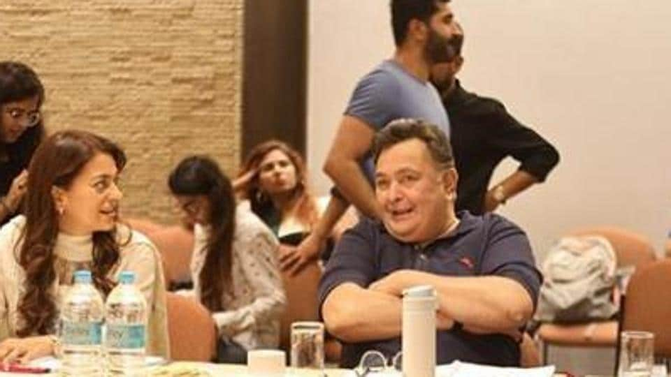 Rishi Kapoor and Juhi Chawla during a reading session for a film they were working on - Sharmaji Namkeen.