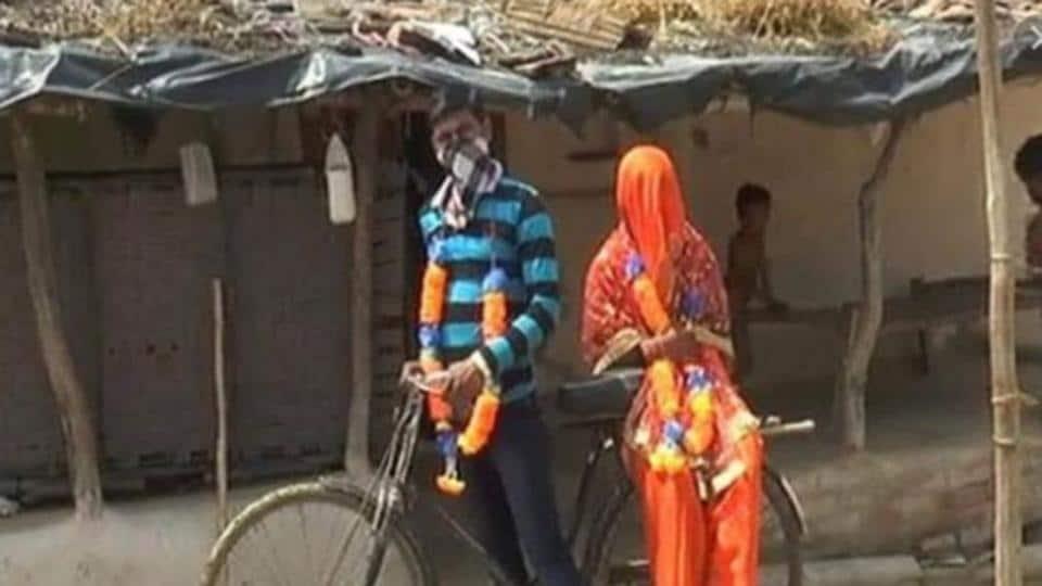 The groom Kalku Prajapati cycled 100kms.