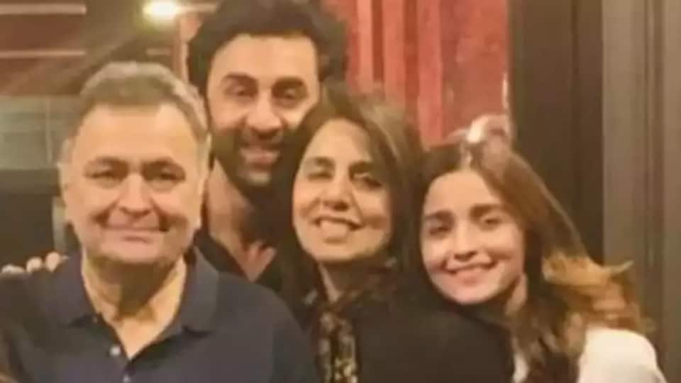 Alia Bhatt mourns Rishi Kapoor's death in emotional note, says 'he is like family'. See pics – bollywood