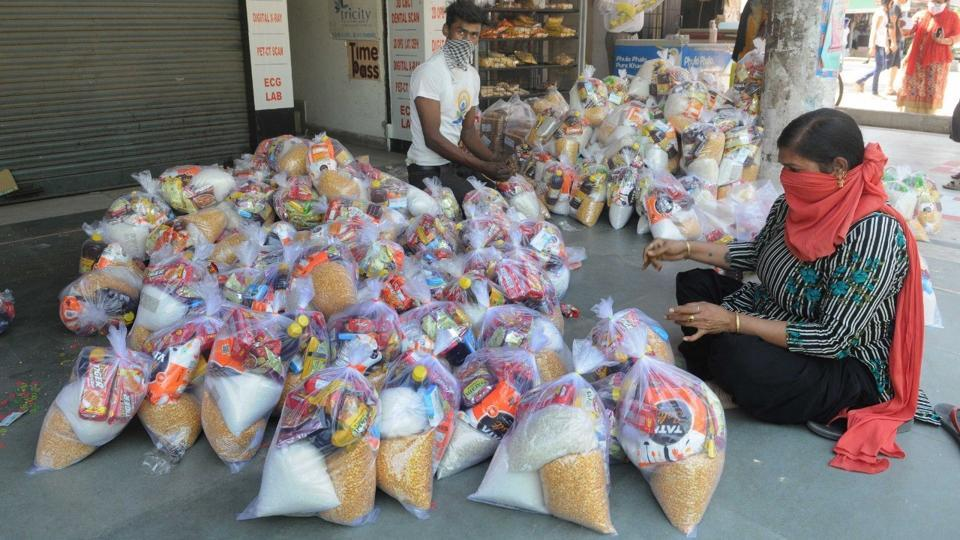 Ludhiana DLSA secretary said district administration officials are also providing ration to the needy. (PHOTO ONLY FOR REPRESENTATIONAL PURPOSES)