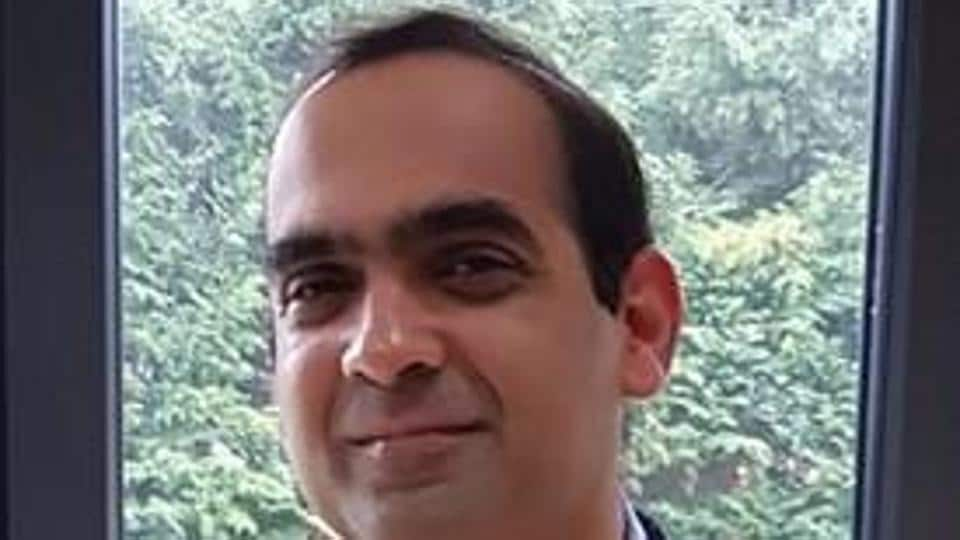 Vikram Deshpande has received a fellowship from the Royal Society, Cambridge.